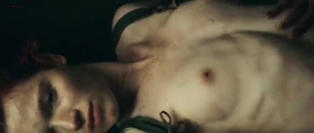 Herfurth topless karoline Karoline Herfurth