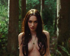 Megan Fox, Amanda Seyfried sexy – Jennifer's Body (2009)