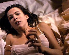 Sophie Marceau nude - Ne te retourne pas (2009)