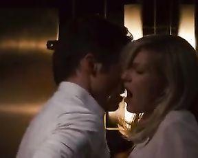 Kirsten Dunst sexy – Bachelorette (2012)