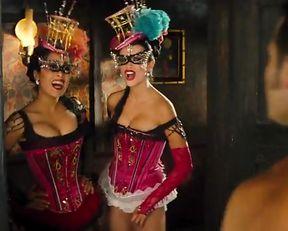 Salma Hayek, Penélope Cruz Sexy - Bandidas (2006)