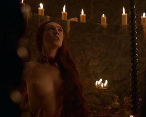 Carice van Houten nackt – Game of Thrones s03e08 (2013)