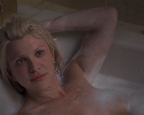 Charlize Theron, Courtney Love hot scene – Trapped (2002)