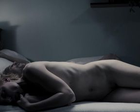 Julia Kijowska nude – Zjednoczone stany milosci (2016)