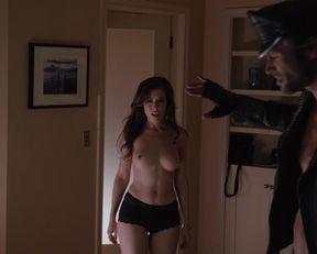 Alissa Dean topless – Californication s06e04 (2013)
