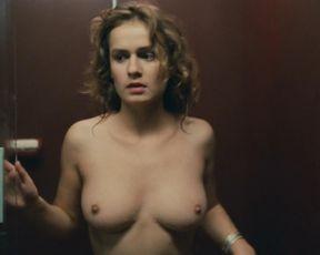 Sandrine Bonnaire, Sophie Marceau nude – Police (1985)
