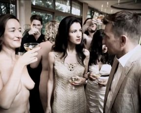 Sabine Oberhorner, Alina Stiegler naked – SOKO 5113 s37e19 (2012)