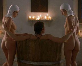Kate Groombridge, Silvia Colloca, Chiara Gensini, Elisabetta Canalis nude – Virgin Territory (2007)