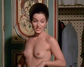 Marie-France Pisier, Susan Sarandon nude – The Other Side Of Midnight (1977)