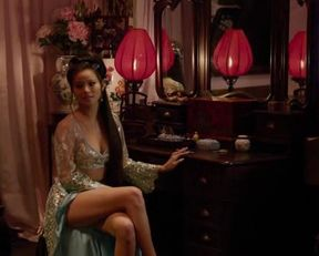 Jamie Chung sexy – The Man With The Iron Fists (2012)