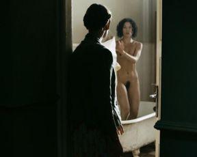 Magdalena Boczarska, Julia Pogrebinska naked – W ukryciu (2013)