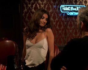 Charlize Theron, Penelope Cruz, Natasha Richardso sexy – Waking Up in Reno (2002)
