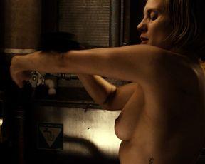 Katee Sackhoff topless - Riddick (2013)