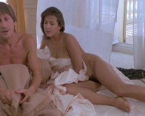 Sophie Marceau naked – Mes nuits sont plus belles que vos jours (1989)