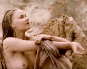 Svetlana Khodchenkova nude - Bless the woman (2003)