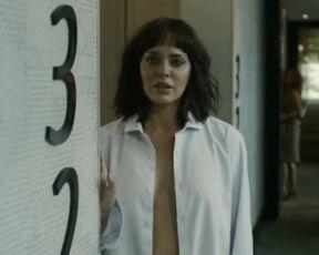 Marta Milans nude - El Embarcadero s01e03-07 (2018)