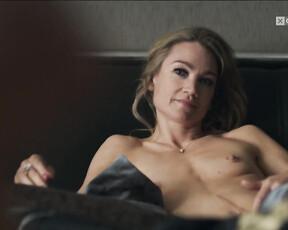 Lainnie Felan  nackt