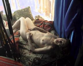 Eleanor David  nackt