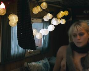 Juliette Dol  nackt