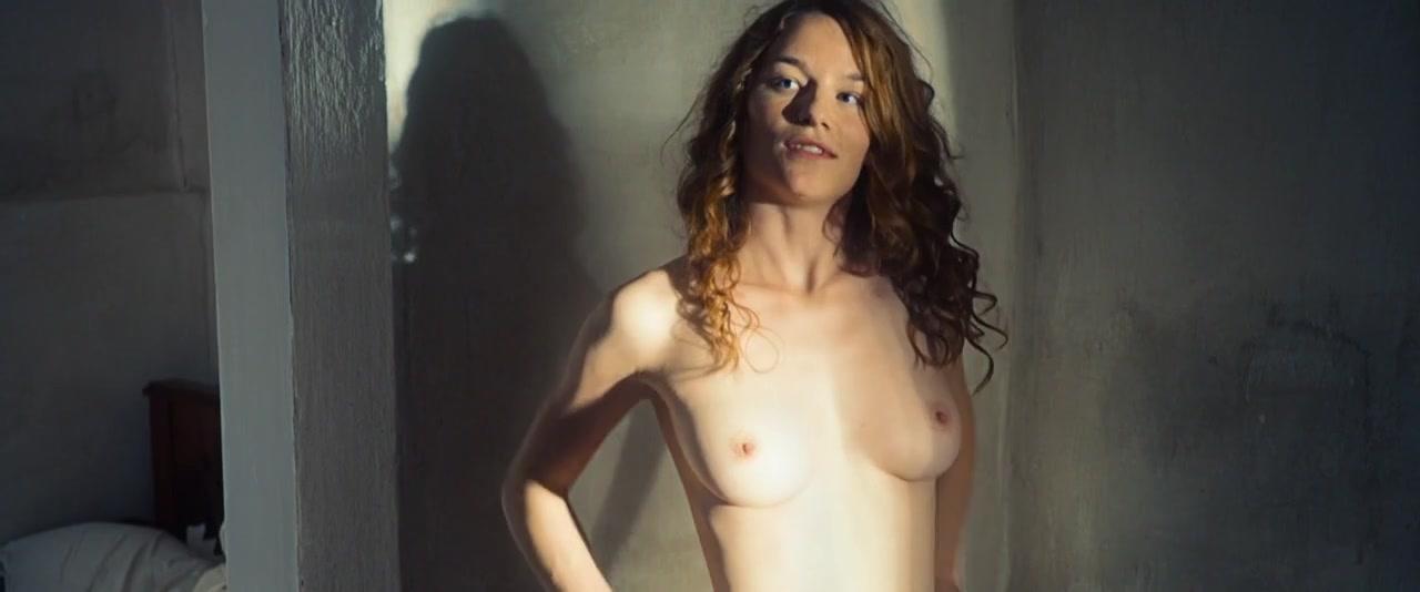 Nackt Valerie Pachner  Valerie Pachner