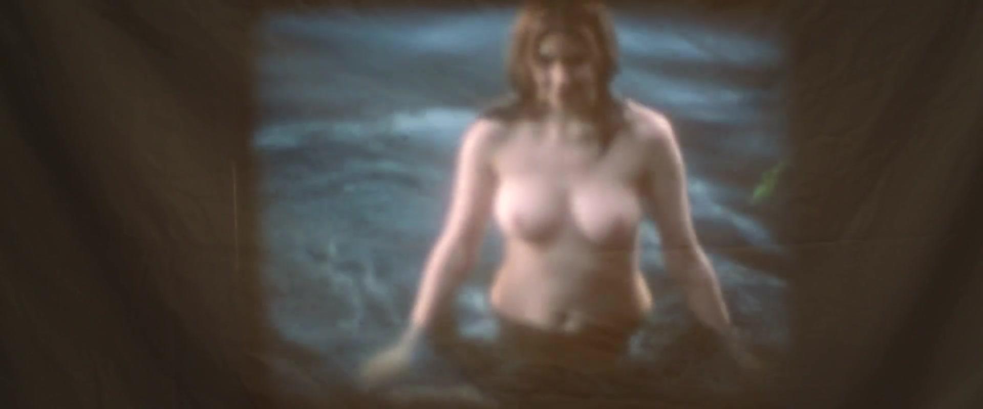 Carlen  nackt Catherine Carol Wayne
