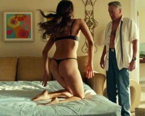 Aubrey Plaza sexy – Dirty Grandpa (2016)