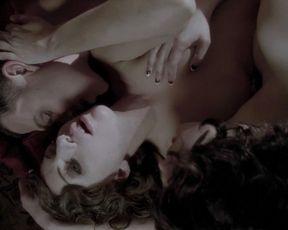 Lady Gag, Alexandra Daddario naked – American Horror Story s05e07 (2015)