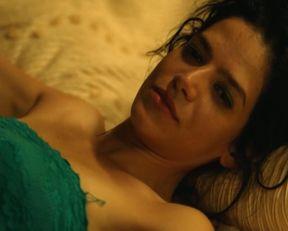Flora Bonfenti nude – Guyane s01e01 (2017)