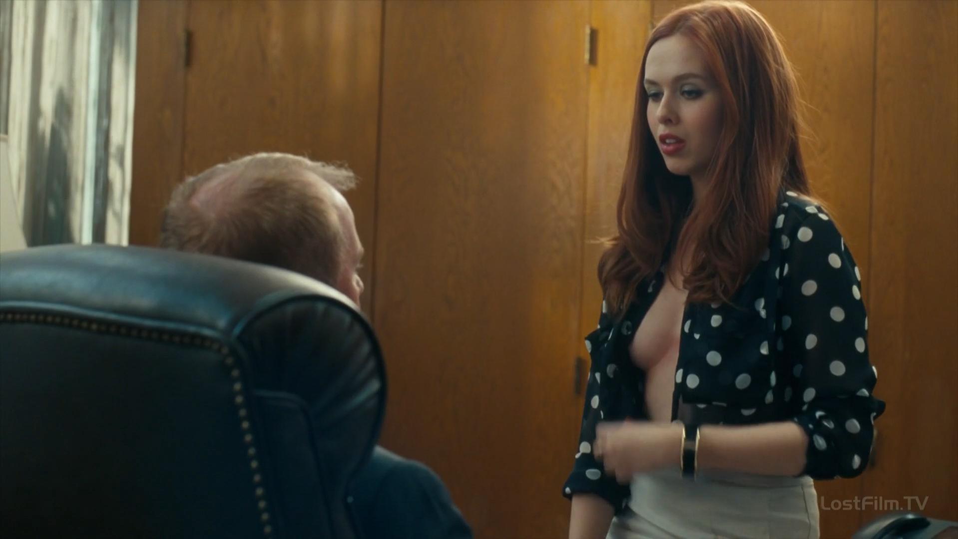 Mclaughlin nude elizabeth Elizabeth Banks