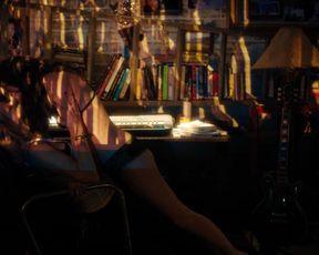 Naomi Watts nude, Sophie Cookson nude – Gypsy s01e07 (2017)