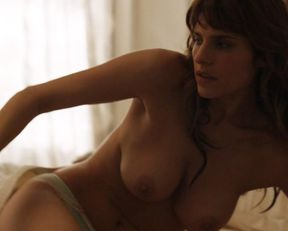 Lake Bell nude – How to Make It in America s02e03-04 (2011)