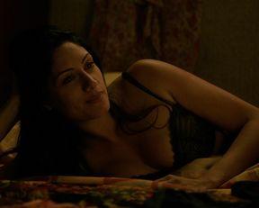 Tehmina Sunny sexy – Extant s02e01 (2015)