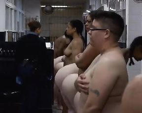 Taylor Schilling nude – Orange is the New Black s02e01 (2014)