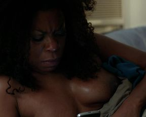 Lorraine Toussaint nude – Orange is the New Black s02e12 (2014)