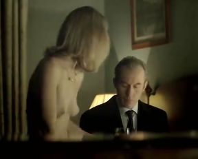 Helen Kennedy nude – Hunted s01e02 (2012)