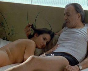 Veronique Volta nude – Mafiosa s02e08 (2008)