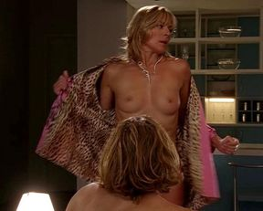 Kim Cattrall topless – Sex and the City s06e12 (2003)