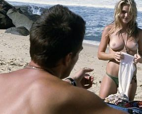 Beau Garrett, Melissa George, Olivia Wilde topless – Turistas (2006)