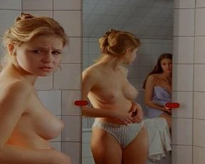 Lara nude maria Alexandra Maria