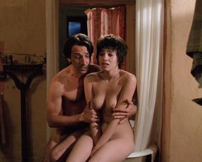 Beatrice Dalle nude – Betty Blue (1986)