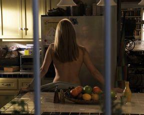 Laura Linney, Cynthia Nixon naked – The Big C. s01-02 (2010-2011)