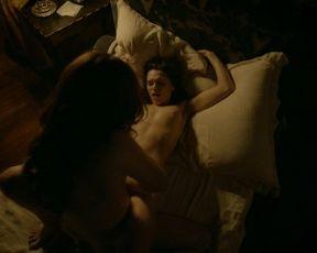 Anna Brewster  nackt