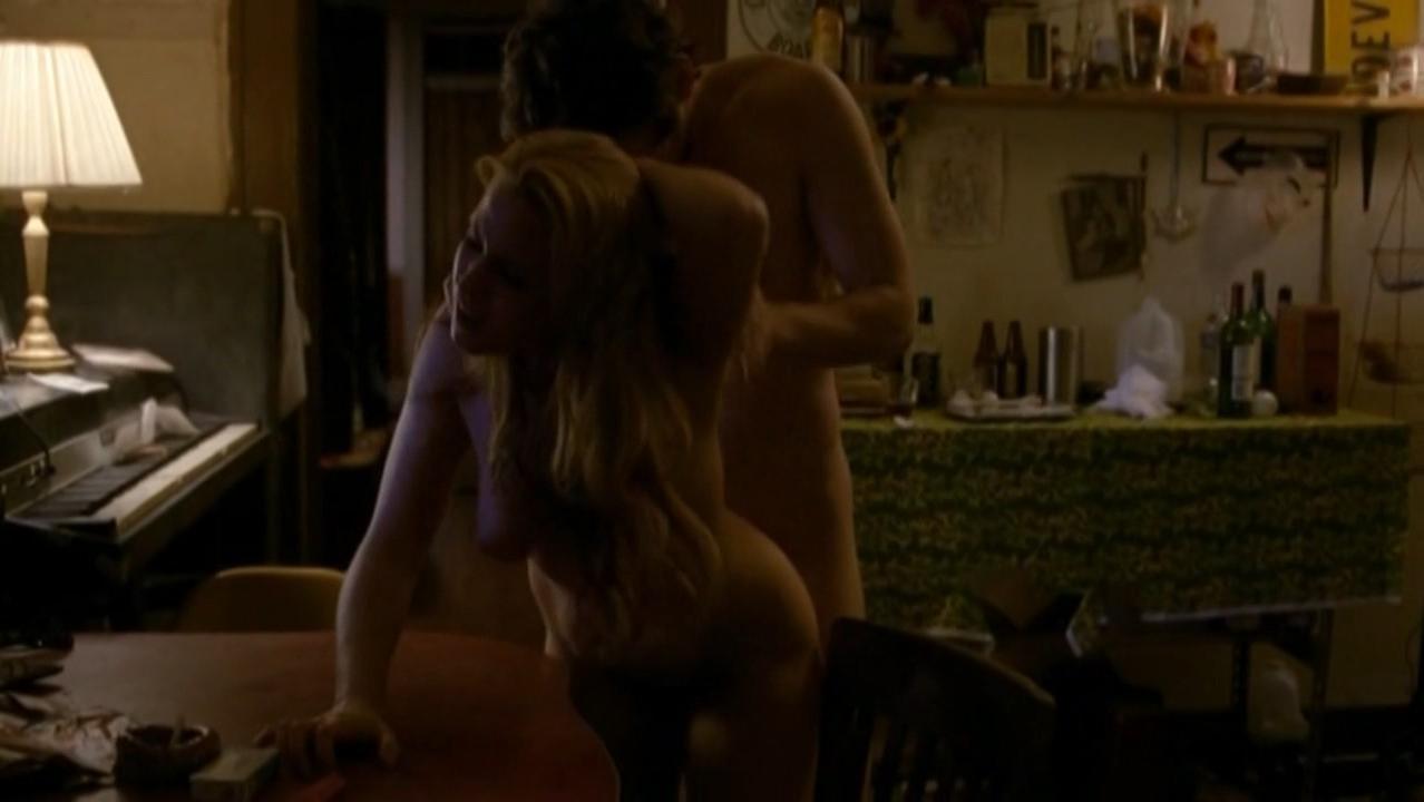 Juliet Reeves  nackt