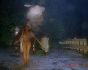 Carice van Houten nude, Halina Reijn nude – De Passievrucht (2003)