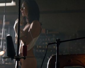 Jennifer Connelly nude – American Pastoral (2016)