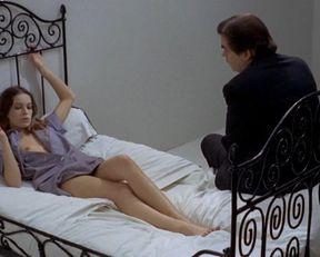 Anicee Alvina nude – Glissements progressifs du plaisir (1973)