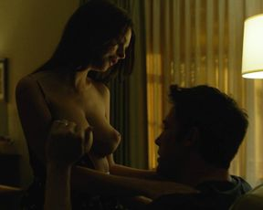 Emily Ratajkowski naked – Gone Girl (2014)