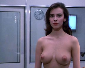 Mathilda May nude – Lifeforce (1985)