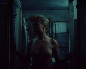 Nancy Brilli nude – Body Count (1987)
