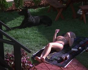 Kimberly McArthur nude, Jennifer Jason Leigh sexy – Easy Money (1983)